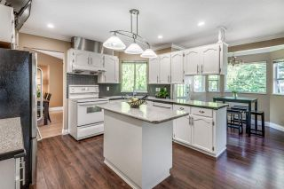 Photo 11: 6130 PARKSIDE Close in Surrey: Panorama Ridge House for sale : MLS®# R2454955