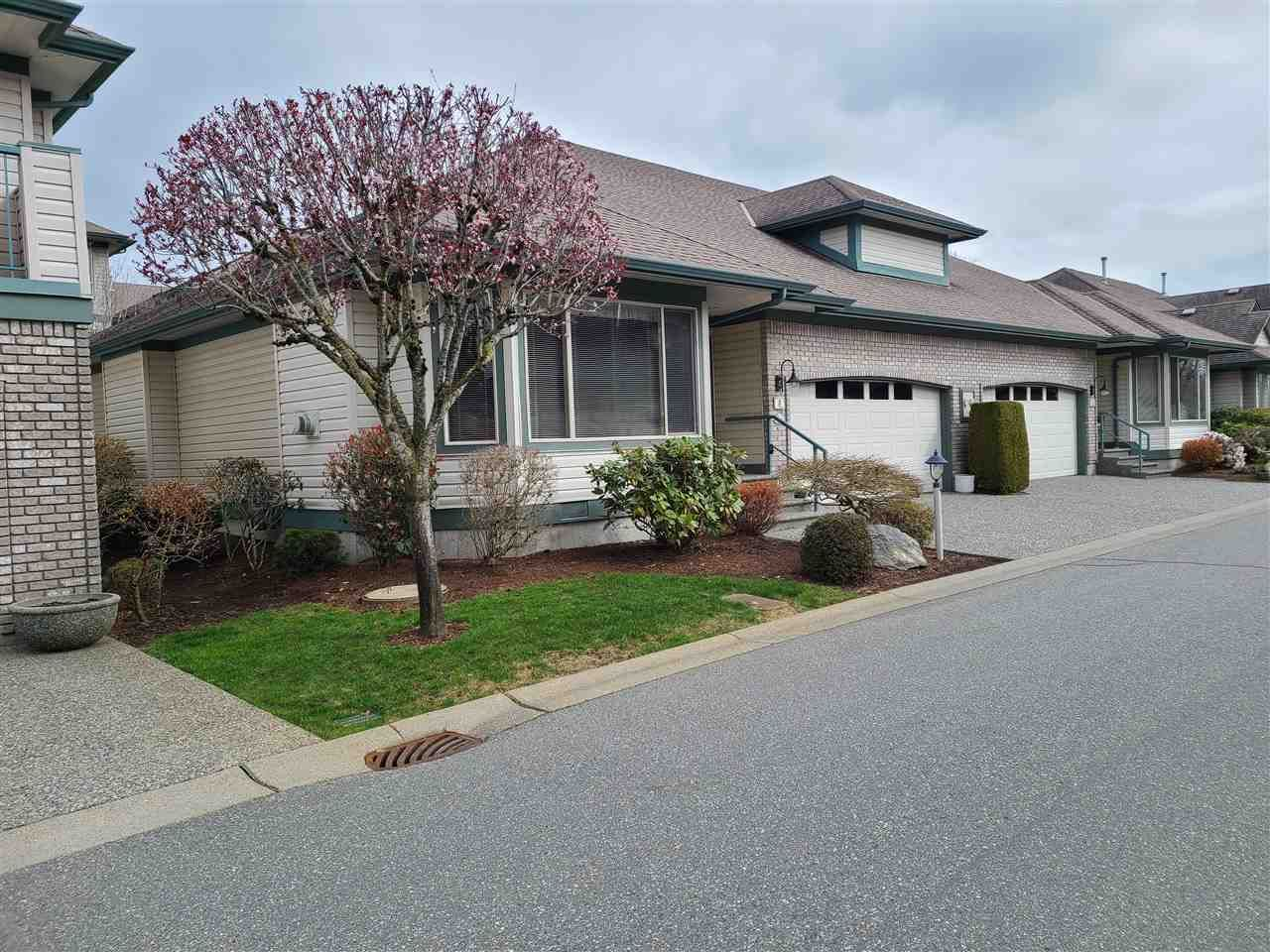 """Main Photo: 5 31517 SPUR Avenue in Abbotsford: Abbotsford West Townhouse for sale in """"View Pointe Properties"""" : MLS®# R2559389"""