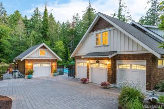 Photo 2: 493 Dunmora Crt in Central Saanich: CS Inlet House for sale : MLS®# 886641