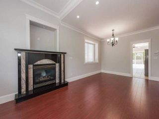 Photo 2: 5440 OAKLAND Street in Burnaby: Forest Glen BS 1/2 Duplex for sale (Burnaby South)  : MLS®# R2181211