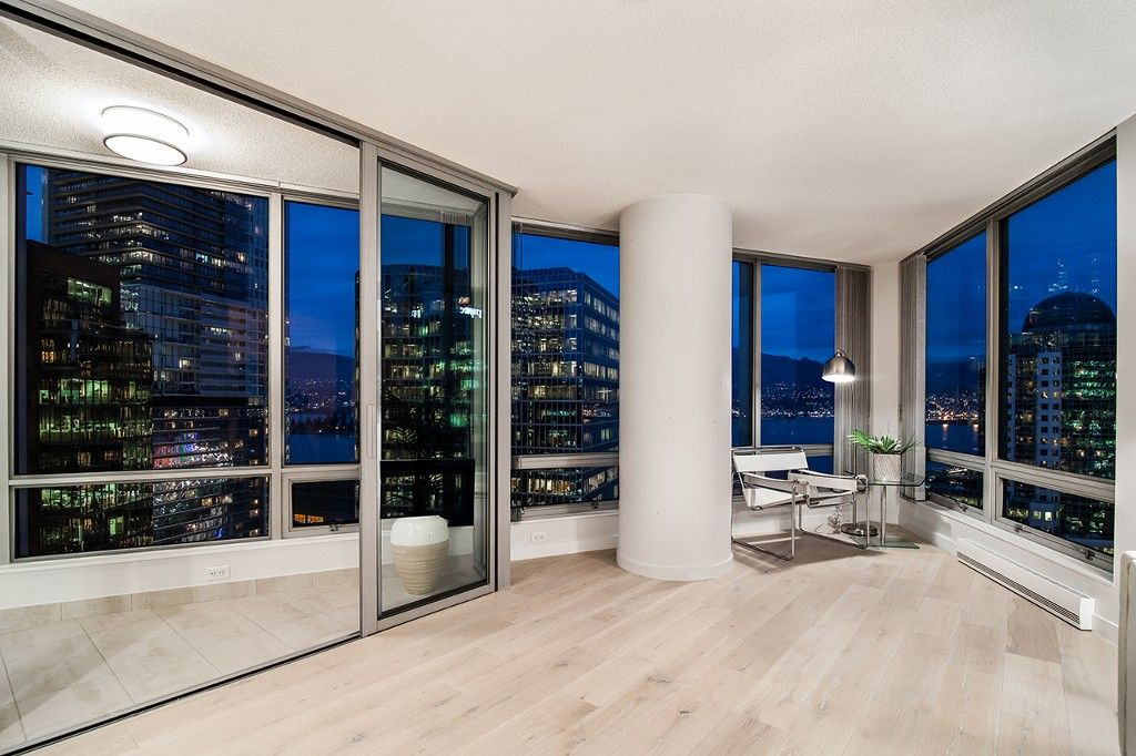 """Photo 8: Photos: 1901 837 W HASTINGS Street in Vancouver: Downtown VW Condo for sale in """"TERMINAL CITY CLUB"""" (Vancouver West)  : MLS®# R2134243"""