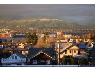 "Photo 9: PH22 2150 E HASTINGS Street in Vancouver: Hastings Condo for sale in ""THE VIEW"" (Vancouver East)  : MLS®# V994294"