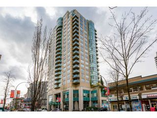 """Photo 2: 2102 612 SIXTH Street in New Westminster: Uptown NW Condo for sale in """"THE WOODWARD"""" : MLS®# R2543865"""