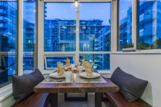 """Photo 9: PH615 161 E 1ST Avenue in Vancouver: Mount Pleasant VE Condo for sale in """"BLOCK 100"""" (Vancouver East)  : MLS®# R2195060"""