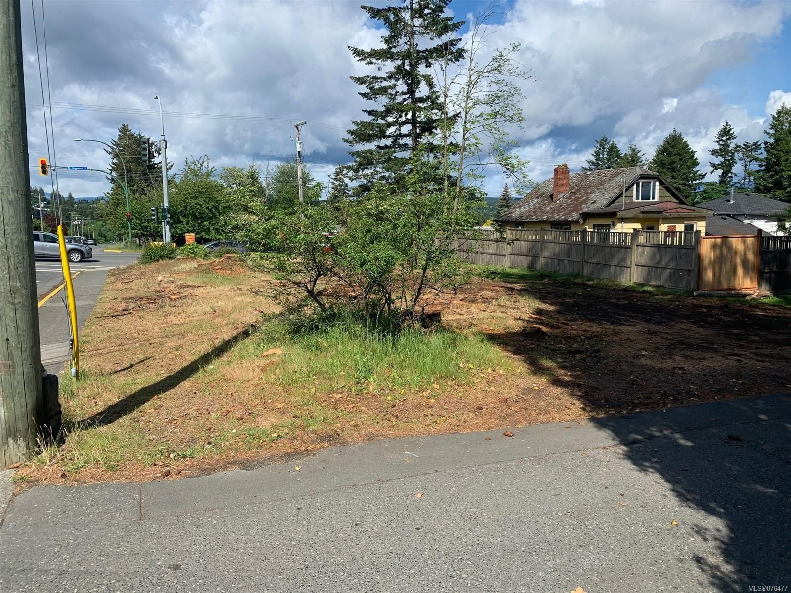 Main Photo: 901 Dogwood St in : CR Campbell River Central Land for sale (Campbell River)  : MLS®# 876477