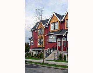 """Photo 2: 2268 ST GEORGE Street in Vancouver: Mount Pleasant VE Townhouse for sale in """"THE VANTAGE"""" (Vancouver East)  : MLS®# V691116"""