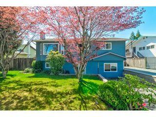 "Photo 3: 26498 29B Avenue in Langley: Aldergrove Langley House for sale in ""Aldergrove"" : MLS®# R2564240"