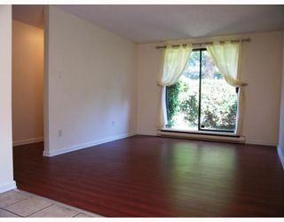 "Photo 2: 105 8180 COLONIAL Drive in Richmond: Boyd Park Townhouse for sale in ""CHERRY TREE PLACE"" : MLS®# V782396"