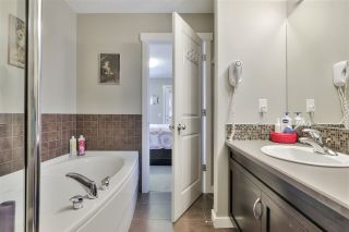Photo 33: 1062 GAULT Boulevard in Edmonton: Zone 27 Townhouse for sale : MLS®# E4239444