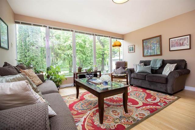 Photo 2: Photos: 104 Glenlawn Avenue in Winnipeg: Elm Park Residential for sale (2C)  : MLS®# 1916552