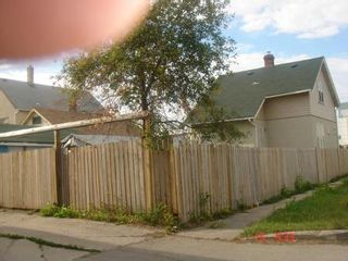 Photo 3: 887 ALEXANDER Avenue in Winnipeg: Residential for sale (Canada)  : MLS®# 1116577