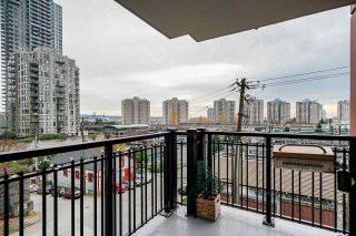 "Photo 13: 308 833 AGNES Street in New Westminster: Downtown NW Condo for sale in ""NEWS"" : MLS®# R2419231"