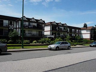 """Photo 18: 211 131 W 4TH Street in NORTH VANC: Lower Lonsdale Condo for sale in """"NOTTINGHAM PLACE"""" (North Vancouver)  : MLS®# R2004347"""