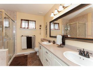 "Photo 13: 73 5811 122 Street in Surrey: Panorama Ridge Townhouse for sale in ""Lakebridge"" : MLS®# R2045411"
