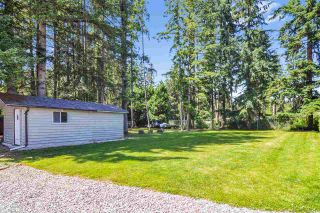 """Photo 21: 33 2305 200 Street in Langley: Brookswood Langley Manufactured Home for sale in """"Cedar Lane Park"""" : MLS®# R2465102"""
