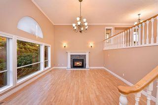 Photo 3: 833 Maltwood Terr in : SE Broadmead House for sale (Saanich East)  : MLS®# 862193