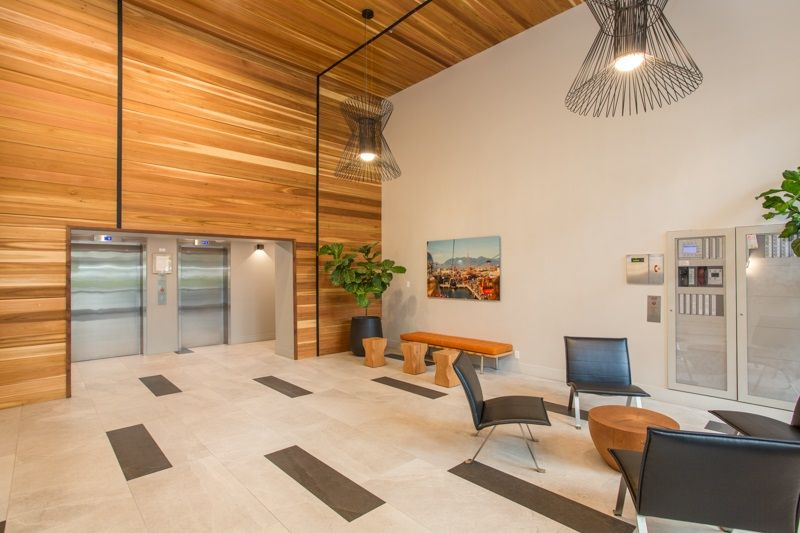 """Photo 2: Photos: 303 1159 MAIN Street in Vancouver: Downtown VE Condo for sale in """"CITY GATE II"""" (Vancouver East)  : MLS®# R2413773"""