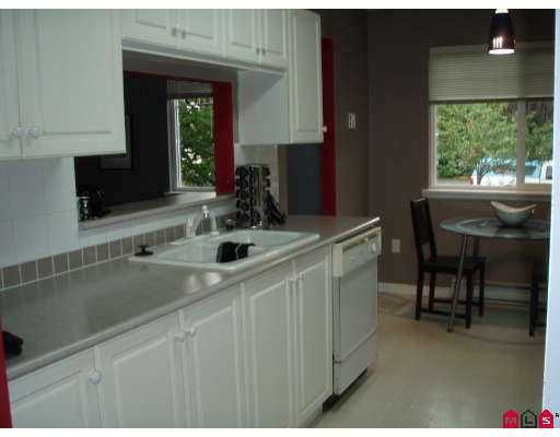 """Photo 2: Photos: 207 9865 140TH Street in Surrey: Whalley Condo for sale in """"Fraser Gate"""" (North Surrey)  : MLS®# F2714461"""