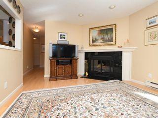 Photo 5: 203 920 Park Blvd in Victoria: Vi Fairfield West Condo for sale : MLS®# 842099
