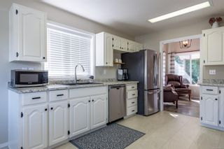 Photo 5: 2784 Bradford Dr in : CR Willow Point House for sale (Campbell River)  : MLS®# 884927