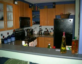 """Photo 2: 6823 PRENTER ST in Burnaby: Middlegate BS Townhouse for sale in """"THE VENTURA"""" (Burnaby South)  : MLS®# V594181"""