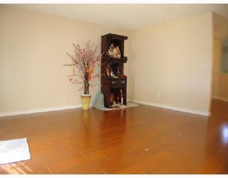 """Photo 3: 5 9880 PARSONS Road in Richmond: Woodwards Townhouse for sale in """"NEW HORIZONS"""" : MLS®# V658474"""