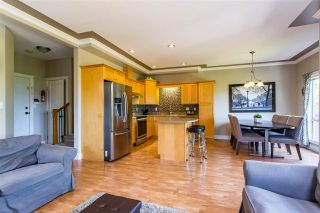 """Photo 6: 8 45377 SOUTH SUMAS Road in Sardis: Sardis West Vedder Rd Townhouse for sale in """"Southfield"""" : MLS®# R2381656"""