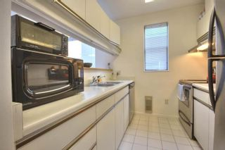 """Photo 11: 6B 766 W 7TH Avenue in Vancouver: Fairview VW Townhouse for sale in """"THE WILLOW COURT"""" (Vancouver West)  : MLS®# V738197"""