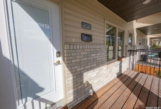 Photo 3: 202 Maningas Bend in Saskatoon: Evergreen Residential for sale : MLS®# SK870482