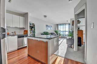 """Photo 11: 1502 151 W 2ND Street in North Vancouver: Lower Lonsdale Condo for sale in """"SKY"""" : MLS®# R2528948"""