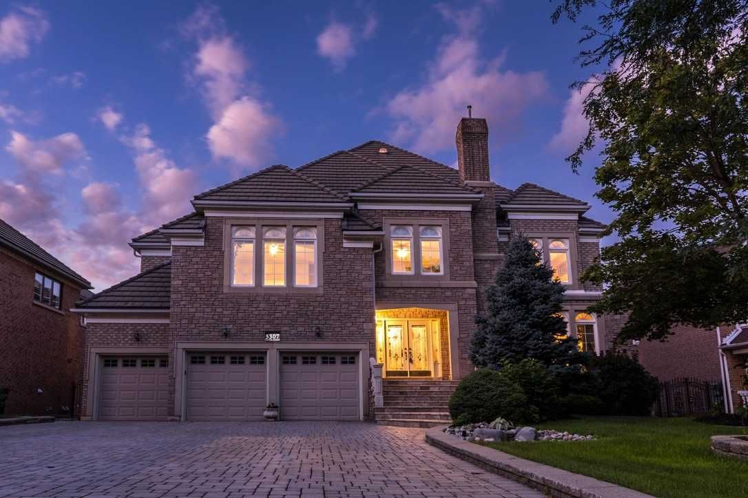Main Photo: 5307 Hilton Crt in Mississauga: Central Erin Mills Freehold for sale : MLS®# W4548460