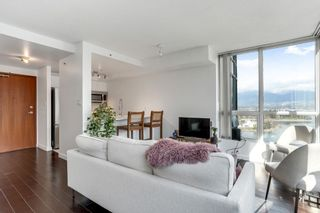 """Photo 5: 2204 555 JERVIS Street in Vancouver: Coal Harbour Condo for sale in """"Harbourside Park"""" (Vancouver West)  : MLS®# R2544198"""