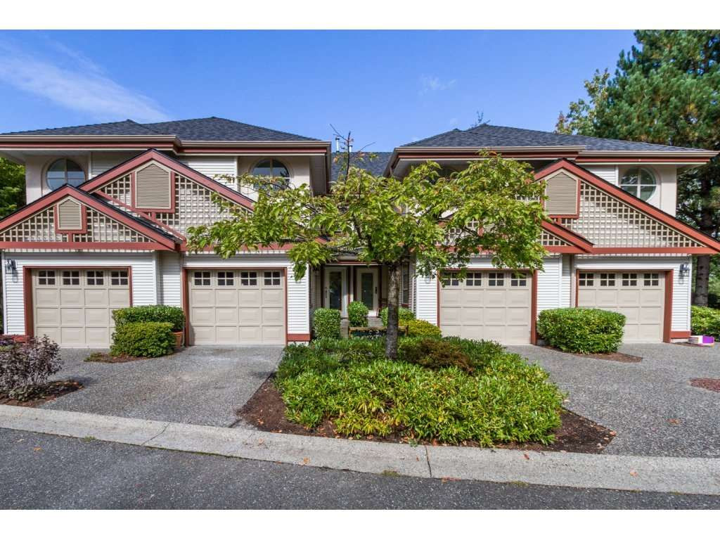 "Main Photo: 16 8855 212 Street in Langley: Walnut Grove Townhouse for sale in ""GOLDEN RIDGE"" : MLS®# R2104857"