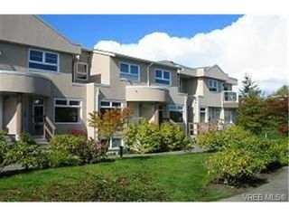 Photo 1: 14 478 Culduthel Rd in VICTORIA: SW Gateway Row/Townhouse for sale (Saanich West)  : MLS®# 349434