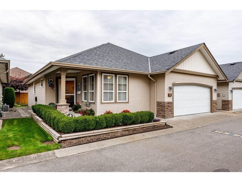 "Main Photo: 13 45819 STEVENSON Road in Chilliwack: Sardis East Vedder Rd Townhouse for sale in ""Villas at Sardis Park"" (Sardis)  : MLS®# R2507353"