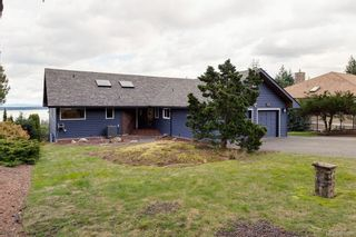 Photo 4: 8735 Pender Park Dr in North Saanich: NS Dean Park House for sale : MLS®# 868899