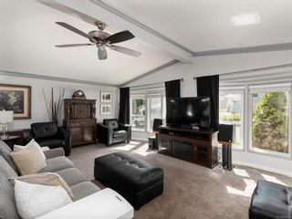Photo 2: 612 2850 Stautw Rd in Central Saanich: CS Hawthorne Manufactured Home for sale : MLS®# 874798