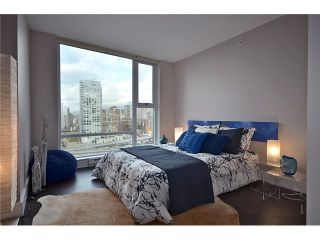 "Photo 7: 2002 583 BEACH Crescent in Vancouver: Yaletown Condo for sale in ""PARKWEST II"" (Vancouver West)  : MLS®# V928427"