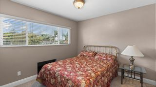 Photo 17: House for sale : 6 bedrooms : 13224 Mango Dr in Del Mar