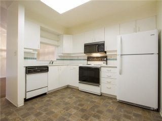 """Photo 9: 21 2130 MARINE Drive in West Vancouver: Dundarave Condo for sale in """"Lincoln Gardens"""" : MLS®# V1115405"""