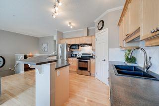 Photo 6: 2508 HANNA Crescent in Edmonton: Zone 14 Townhouse for sale : MLS®# E4264463