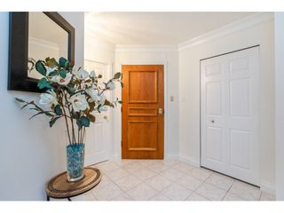 """Photo 5: 215 1442 FOSTER Street: White Rock Condo for sale in """"White Rock Square Tower 3"""" (South Surrey White Rock)  : MLS®# R2538444"""