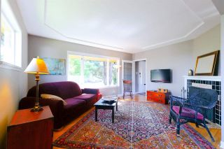 """Photo 2: 355 SHERBROOKE Street in New Westminster: Sapperton House for sale in """"Sapperton"""" : MLS®# R2332105"""