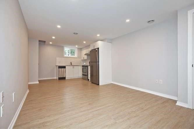 Photo 4: Photos: Lower 14 Furnival Road in Toronto: O'Connor-Parkview House (2-Storey) for lease (Toronto E03)  : MLS®# E4474374