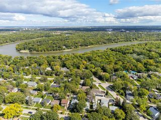 Photo 35: 136 Buxton Road in Winnipeg: East Fort Garry Residential for sale (1J)  : MLS®# 202122624