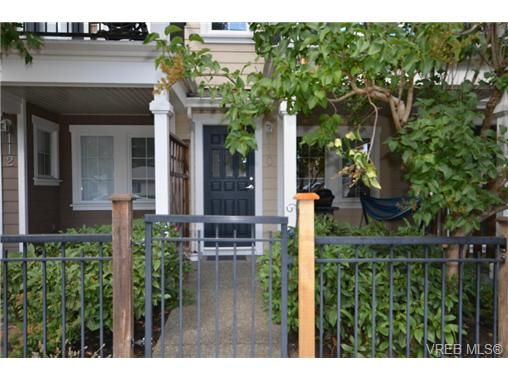 Main Photo: 110 842 Brock Ave in VICTORIA: La Langford Proper Row/Townhouse for sale (Langford)  : MLS®# 739527