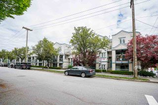"Photo 2: 306 629 W 7TH Avenue in Vancouver: Fairview VW Townhouse for sale in ""THE COURTYARDS"" (Vancouver West)  : MLS®# R2573974"
