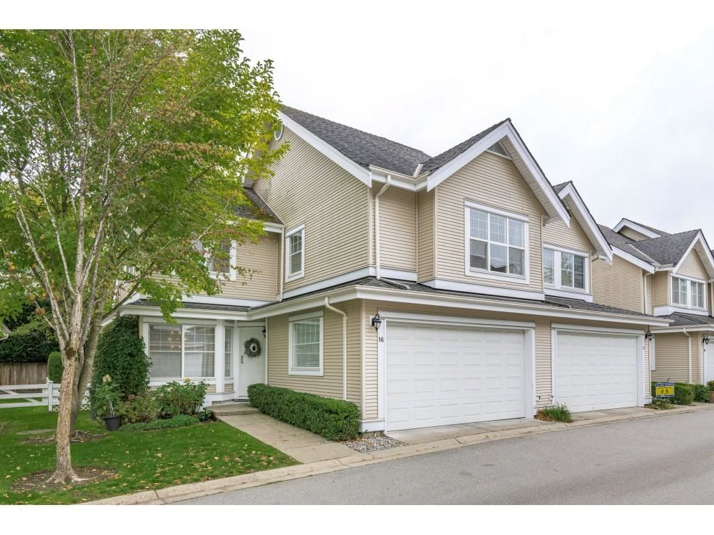 """Main Photo: 16 17097 64 Avenue in Surrey: Cloverdale BC Townhouse for sale in """"Kentucky Lane"""" (Cloverdale)  : MLS®# R2625431"""