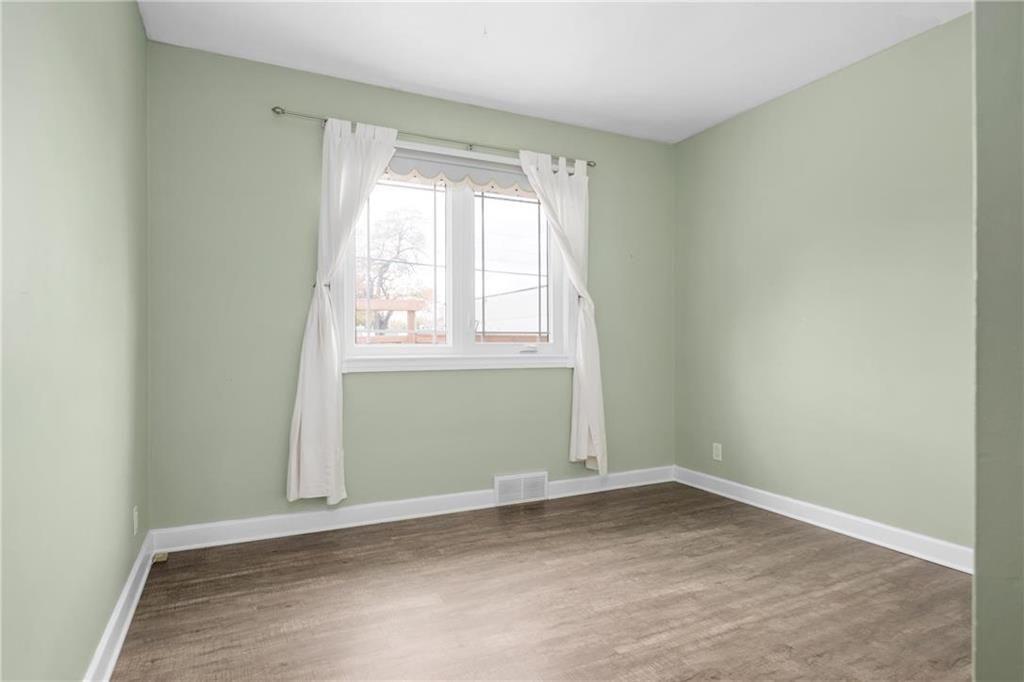 Photo 11: Photos: 9 Kenneth Street in Winnipeg: East Fort Garry Residential for sale (1J)  : MLS®# 202024668