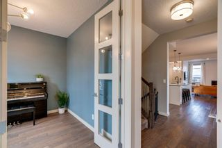 Photo 4: 630 17 Avenue NE in Calgary: Winston Heights/Mountview Semi Detached for sale : MLS®# A1079114